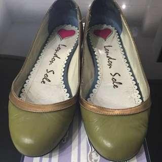 London Sole 娃娃鞋