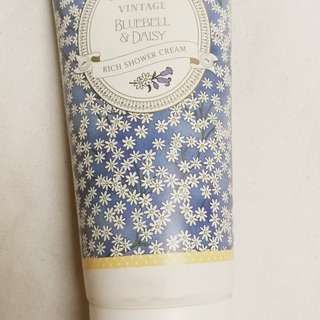 MARKS & SPENCER Bluebell & Daisy Rich Shower Cream