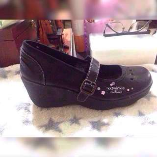 Authentic Skechers Wedge Black Shoes ( US size 6.5)