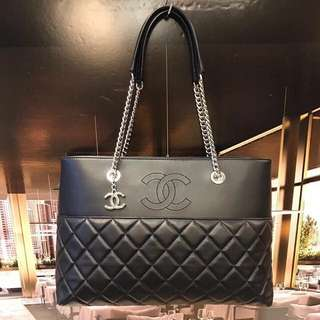 Chanel bag over 95% new. Used few times only since I bought. Full set with dusty bag & box