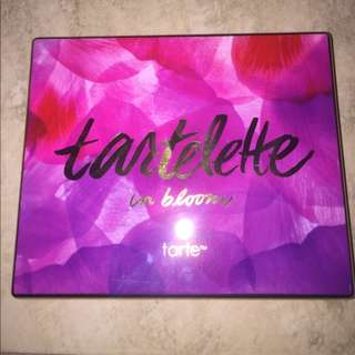 ⭐️ FAKE Tartelette in Bloom Amazon Clay Palette