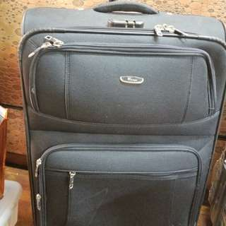 27吋行李箱