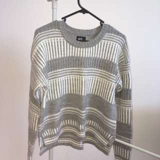 Cosy grey white knitted sweater