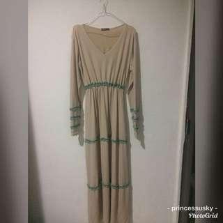 Dress Creme Cantik