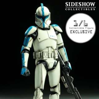 """1/6 Scale Star Wars_Sideshow Collectibles_The Clone Lieutenant Figure ( SDCC 2010 Exclusive, Limited Edition of 1,000), Released in 2010 - 12"""" Figure Int. Ed. SDCC Exclusive_Hot Toys"""