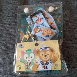全新香港迪士尼Duffy&Gelatoni徵章頸繩連卡&袋 $35包平郵