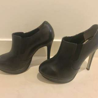 🖤 TONY BIANCO 🖤 Black Leather Ankle Boots Size 6.5