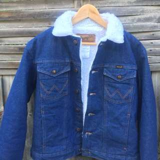 Wrangler vintage Sherpa denim jacket small