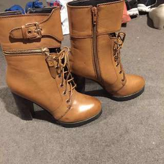 Basement HQ boots with gold detailing size 36
