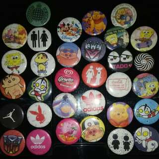 Assorted back-pin buttons (sold together)