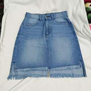 (轉售)GU 淺藍色牛仔裙