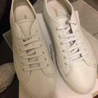 Common projects white trainers 波鞋