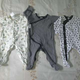 combo sleepsuit baby size nb-3 month condition harian,taman