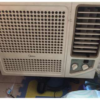 For Sale Window Type AIRCON 1.5 Horsepower! Rush Sell
