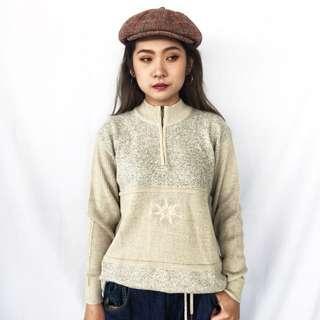 🚚 🌴歐洲gollehaug米色中高領針織毛衣 拼接刺繡 套頭式針織外套 女款Vintage 歐美古著