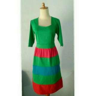 Midi Dress Hijau Wedges