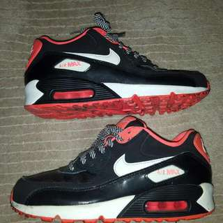 Nike Air Max Sneakers/ Runners