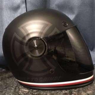 Bell 全新頭盔