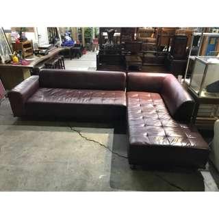 L型乳膠皮面酒紅色沙發 /沙發床/客廳/柔軟/低扶手/平台式/休閒沙發/皮沙發/布沙發 A1251