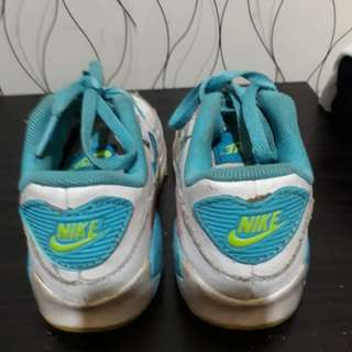 Nike rubber shoes kids