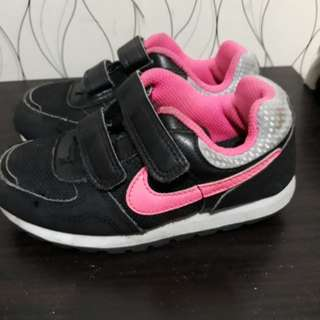 Nike toddler rubbershoes