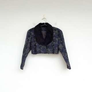 🚚 二手 藍色 印花 毛領 短版 小外套 (另有同款短裙)