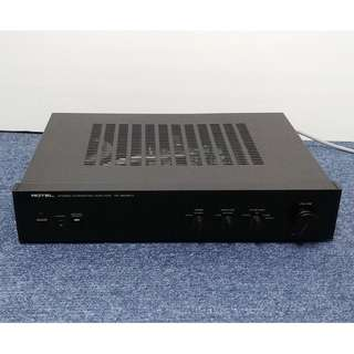 Rotel RA-820 BX4 Amplifier