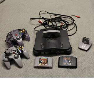 N64 Bundle - 2 controllers, 3 games