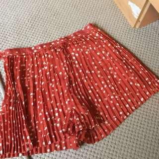 Skort (skirt+short)