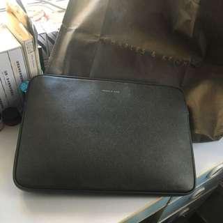"15"" black Full Grain Charles And Keith Laptop Case 手提電腦套 電腦袋"