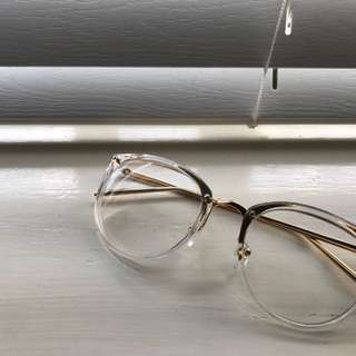 Transparent/ Clear Glasses With Gold Edgings