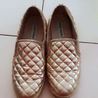 authentic STEVE MADDEN shoe