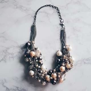 Intertwined Pearl & Chain Necklace