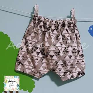 ⭐️Baby Fashion⭐️ Assorted Graphic Shorts E6 – Grey Triangles Shorts $8.90