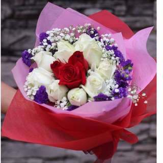12 Fresh Roses with baby breath Bouquet Flower for Gifts Valentines Day Mother's Day Gifts