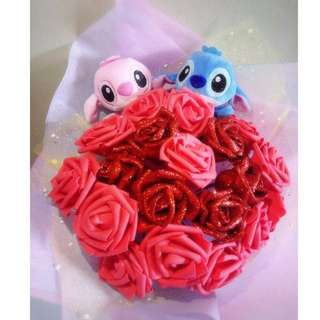 Cute Stitch Couple Plushie Dazzling Red Roses Bouquet Flower for Gifts Valentine's Day Mother's Day Gifts ( 2 Couple Stitch Plushie )