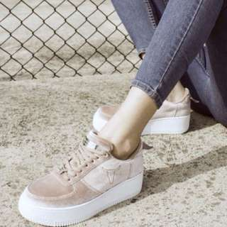Cutest suede sneakers Windsor Smith ✨✨