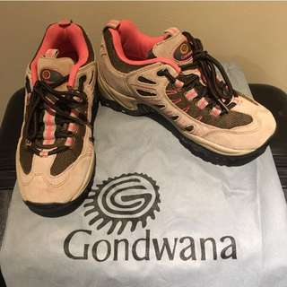 Gondwana Outdoor/Hiking Women's Shoes Size 5