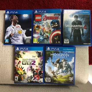 PS 4 (500gb) + 2 controllers + 5 games