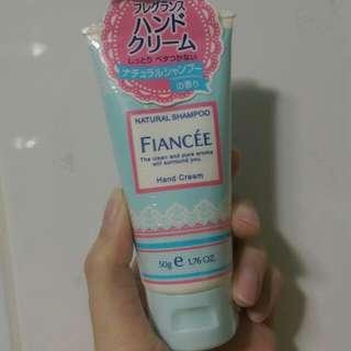 🚚 Fiancee shampoo香護手霜