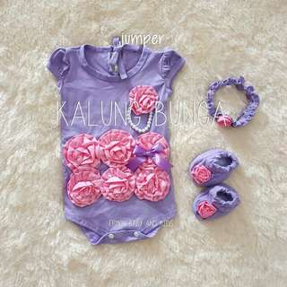 Jumper bayi bunga kalung