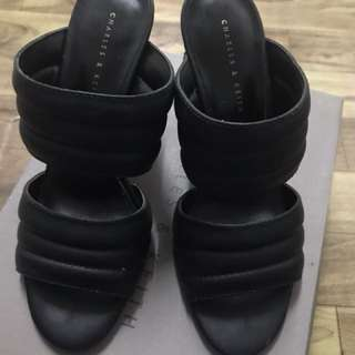 Charles & Keith Heel Size 38