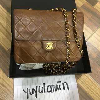 Authentic Chanel Lambskin GHW