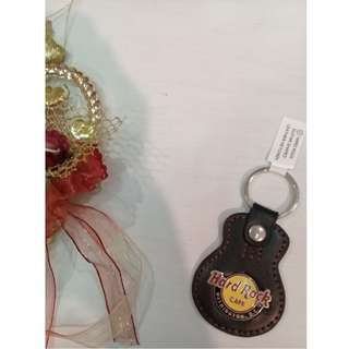 HARD ROCK CAFE: GUITAR SHAPED LEATHER KEYCHAIN (WASHINGTON D.C)