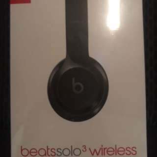 BEATS SOLO3 WIRELESS - SEALED IN BOX