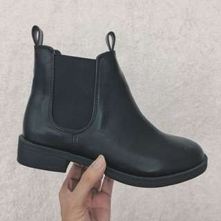 H&M Chelsea Boots Size 5