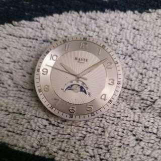 Haste Royal 錶面