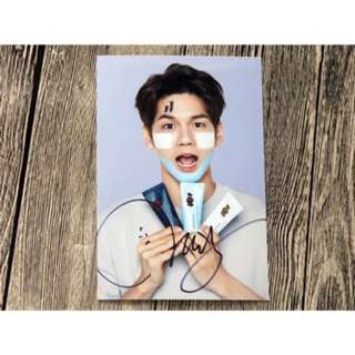 Wanna one ong seongwoo signed autographed picture go