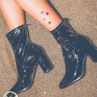 Therapy liquid boots