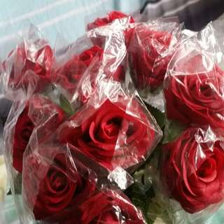Artificial roses with stalk